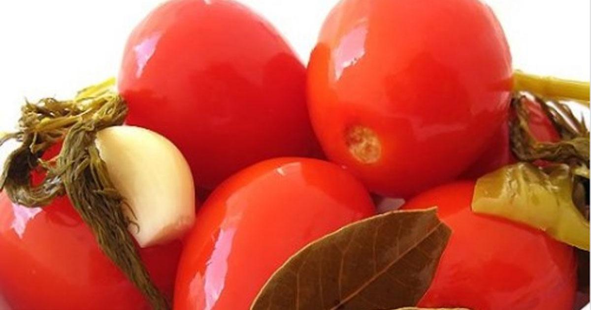 Квашені помідори (простий і смачний рецепт)