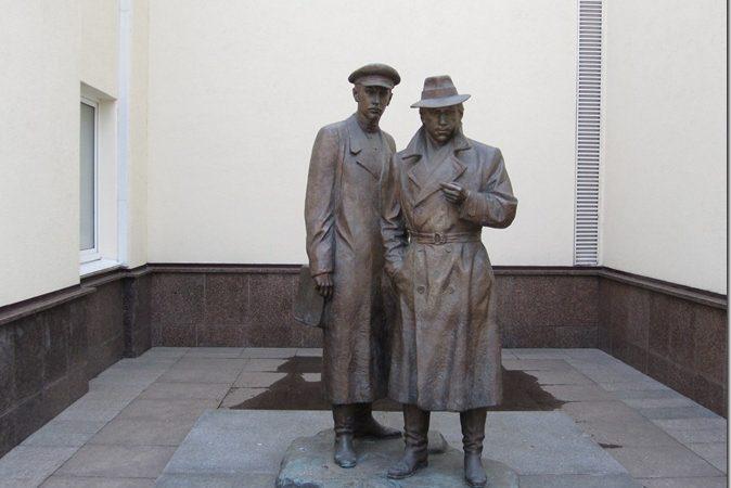 Пам'ятник Жеглову й Шарапову в Києві