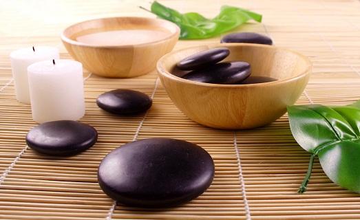 Секрети масажу камінням