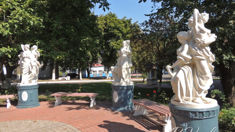 Алея муз на Оболоні (Київ)