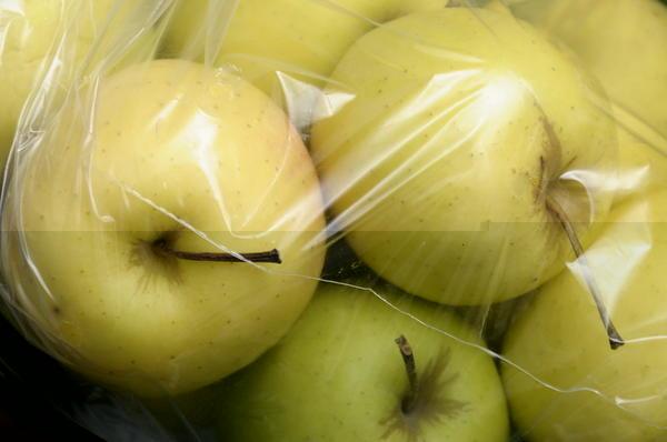 Мочіння яблук в поліетиленових пакетах