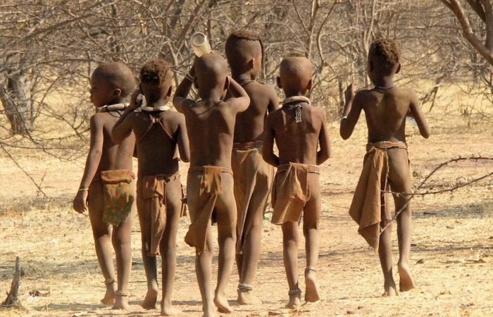 Суворі звичаї племені Окаванго