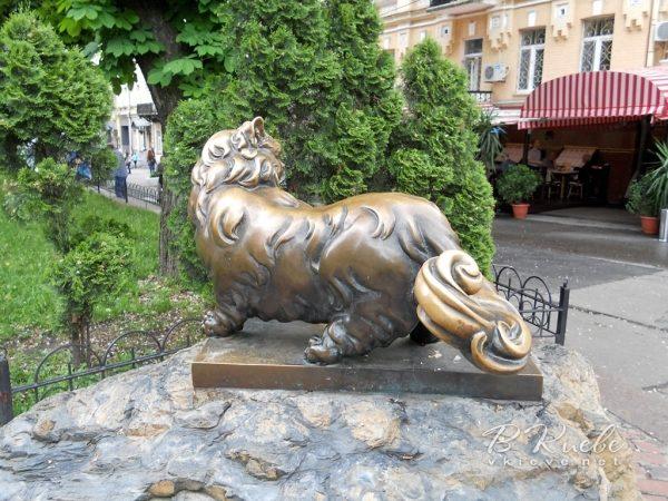 Пам'ятник коту Пантелеймону (Київ Золоті ворота)
