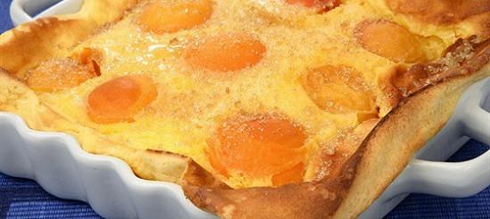 Абрикосовий пиріг з волоськими горіхами – рецепт