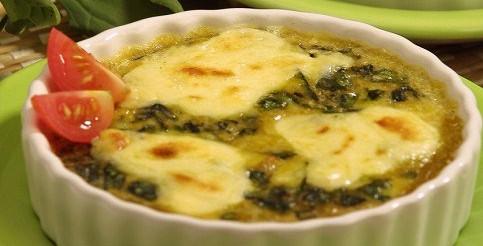 Запіканка зі шпинату і локшини – рецепт