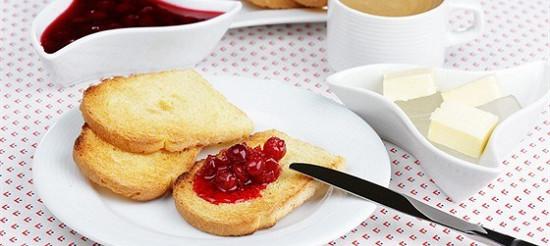 Базельські тости з вишнями – рецепт