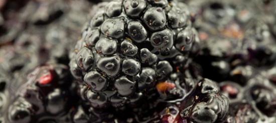 Соус з ожини і незрілого винограду – рецепт