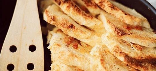 Хлібний пудинг з мускатним горіхом – рецепт