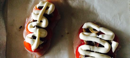 Куряче філе з грибами і помідорами – рецепт