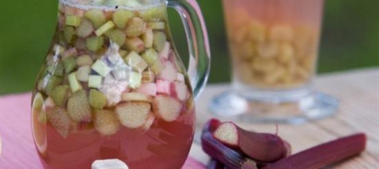 Компот з ревеню та яблук на сахарин – рецепт