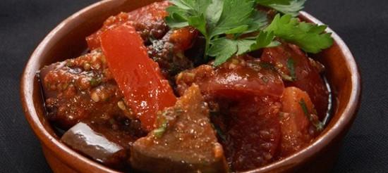 Баклажани в томатному соусі – рецепт