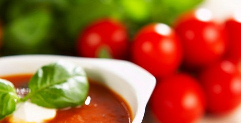 Гаспачо з сирними кульками – рецепт