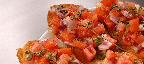 Кростіні з помідорами – рецепт