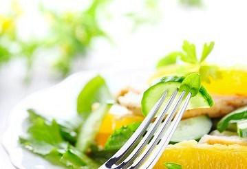 Салат апельсиновий з огірком – рецепт