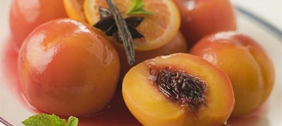 Персики у вині – рецепт