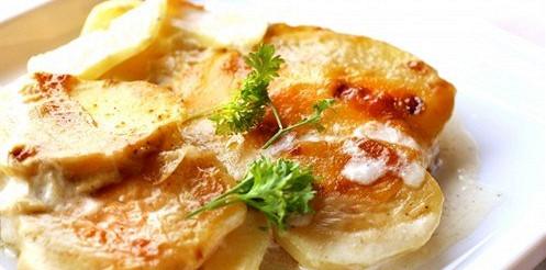 Картопля з цибулею і вершками – рецепт