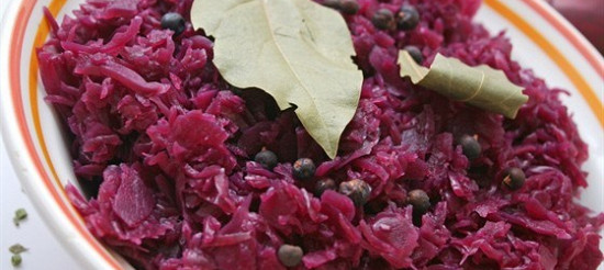 Червона капуста з цибулею в червоному вині – рецепт