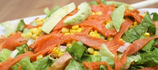 Салат з копченою рибою – рецепт