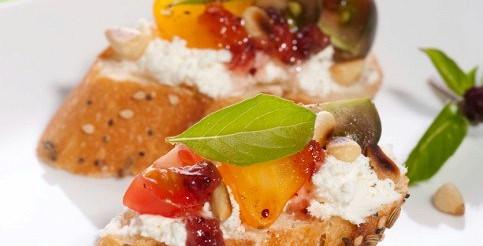 Бутерброд з сиром і фруктами – рецепт