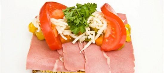 Бутерброд з сиром і ковбасою – рецепт