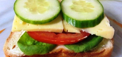 Бутерброд з сиром і помідором або огірком – рецепт