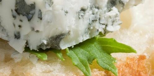 Бутерброд з сиром і волоськими горіхами – рецепт