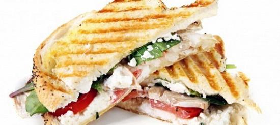 Сендвіч з козячим сиром і шпинатом – рецепт
