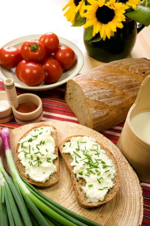 Бутерброди з сирним кремом і цибулею – рецепт