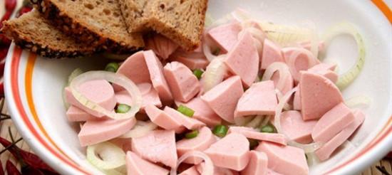 Ковбаса з цибулею – рецепт
