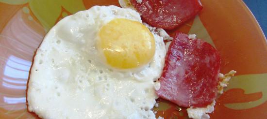 Яєчня-глазунья – рецепт
