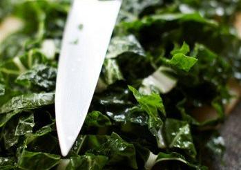 Салат зі шпинату з рослинним маслом – рецепт