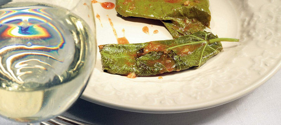 Сулугуні в виноградному листі – рецепт