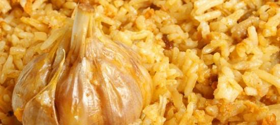 Білий рис з часником – рецепт